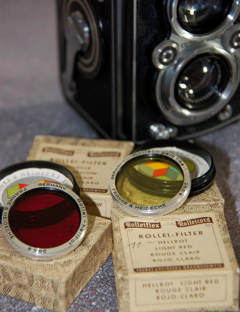 Rolleifle camera and filters Hellrot